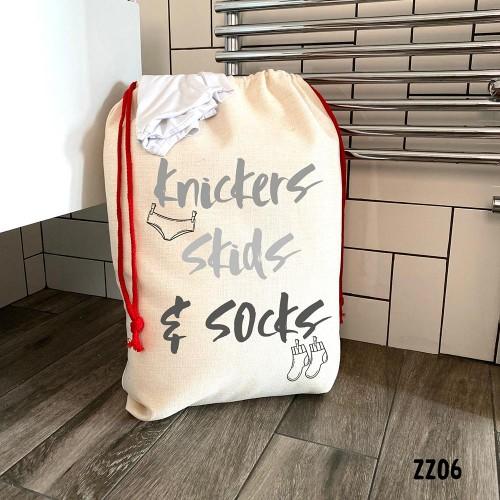 & Skids Laundry Bag